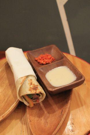 Foto 20 - Makanan di Emado's Shawarma oleh Prido ZH