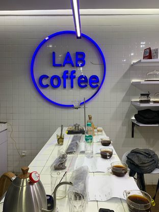 Foto 1 - Interior di Lab Coffee oleh Isabella Chandra
