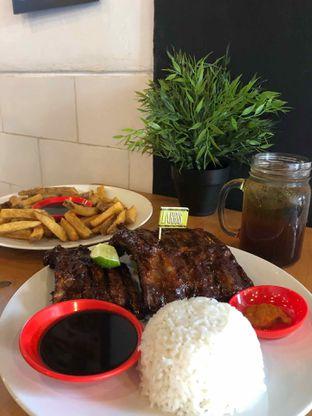 Foto 1 - Makanan di Warung Larris oleh @yoliechan_lie