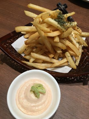 Foto 2 - Makanan(French fries mentaiko mayo) di Hoshino Coffee oleh Jeljel