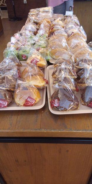 Foto 4 - Makanan di Eaton Bakery and Restaurant oleh Devi Renat
