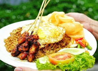Cari Menu untuk Makan Malam? Pesan Nasi Goreng di Jakarta Barat yang Wajib di Coba!