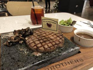 Foto 3 - Makanan di Willie Brothers Steak and Cheese oleh Windy  Anastasia