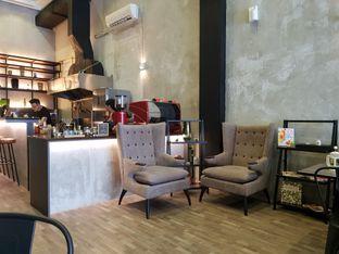 Foto 2 - Interior di Fe Cafe oleh Vising Lie