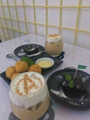 Foto 2 - Makanan di Tjarani Cafe oleh @qluvfood
