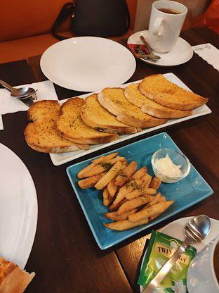 Foto 3 - Makanan di Eataly Resto Cafe & Bar oleh iminggie