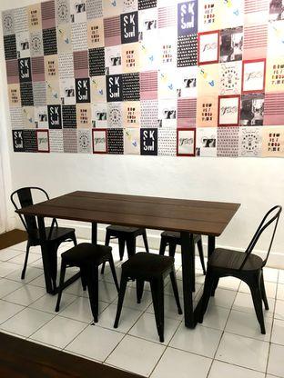 Foto 3 - Interior di Saksama Coffee oleh Prido ZH