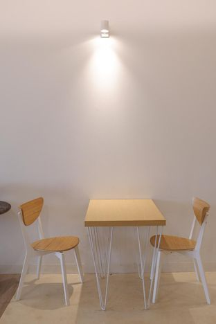 Foto 13 - Interior di Aiko Coffee oleh yudistira ishak abrar