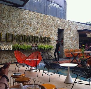 Foto 2 - Interior di Lemongrass oleh RI 347 | Rihana & Ismail
