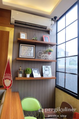 Foto 6 - Interior di De Cafe Rooftop Garden oleh Jessica Sisy