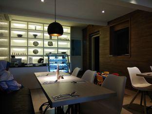 Foto 6 - Interior di Fish & Chips House oleh christine nathalia