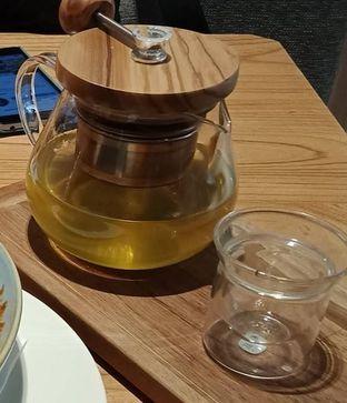 Foto 2 - Makanan(Gen Maicha Glory (IDR 51k) ) di Lewis & Carroll Tea oleh Renodaneswara @caesarinodswr