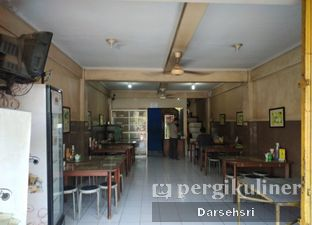 Foto 6 - Interior di Pempek Palembang & Otak - Otak 161 oleh Darsehsri Handayani