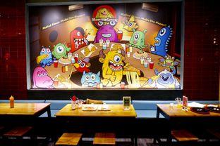 Foto 5 - Interior di Monster Cheese Pizza oleh yudistira ishak abrar