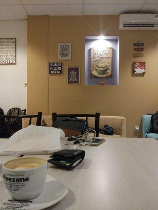 Foto 1 - Interior di Coffeezone oleh Harya Danniswara