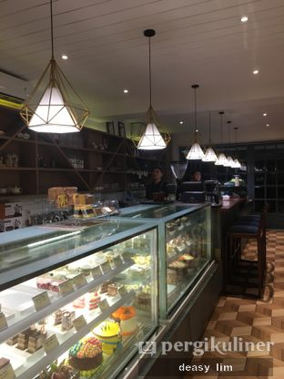 Foto 25 - Interior di Papa & Mama Bistro and Coffee oleh Deasy Lim