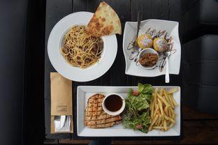 Foto 10 - Makanan di Lawang Wangi Creative Space Cafe oleh yudistira ishak abrar