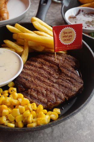 Foto 3 - Makanan di Steak Hotel by Holycow! oleh yudistira ishak abrar