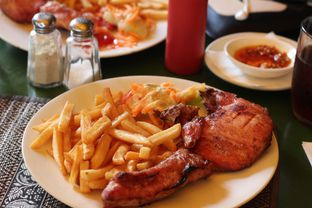 Foto - Makanan(Pork Chop) di Ya Udah Bistro oleh @fernando.jsj #KulineranMates