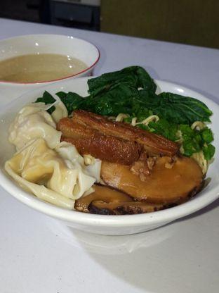 Foto 1 - Makanan di Bakmie Oink oleh Christ the Eater