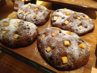 Foto 2 - Makanan(sanitize(image.caption)) di Francis Artisan Bakery oleh Renodaneswara @caesarinodswr