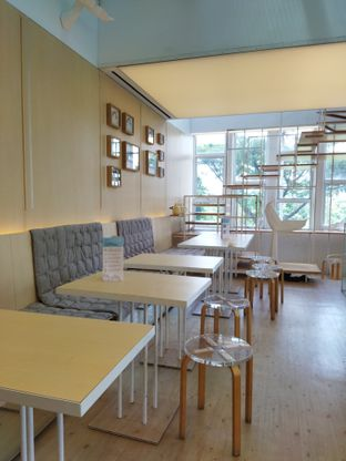 Foto 4 - Interior di Turning Point Coffee oleh Anne Yonathan
