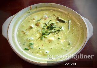 Foto 3 - Makanan(Green Curry Chicken) di Larb Thai Cuisine oleh Velvel