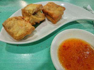 Foto 2 - Makanan(Tahu isi udang) di Depot Saribanon oleh Ester A
