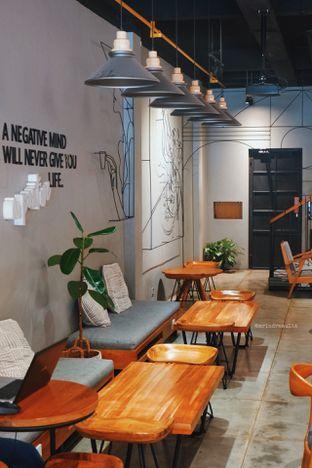 Foto 5 - Interior di Chief Coffee oleh Indra Mulia