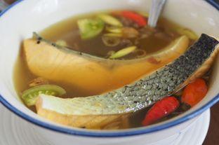 Foto 1 - Makanan(Pindang Serani Salmon) di Plataran Menteng oleh Grace Yuwono