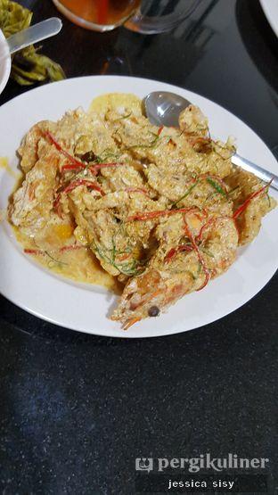 Foto 3 - Makanan(udang saos telor asin) di Sari Laut Ujung Pandang oleh Jessica Sisy