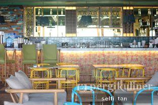 Foto 3 - Interior di Karumba Rooftop Rum Bar oleh Selfi Tan