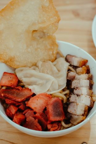 Foto 1 - Makanan di Bakmi Pangsit Palu oleh Duolaparr