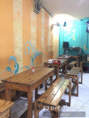 Foto 4 - Interior di Soto Ayam Hartono oleh #alongnyampah