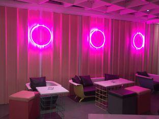 Foto 6 - Interior di Tjarani Cafe oleh @qluvfood