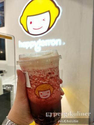 Foto 1 - Makanan(Strawberry Black Tea Salted Cheese + Boba) di Happy Lemon oleh JC Wen