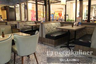 Foto 8 - Interior di Hong Kong Cafe oleh UrsAndNic