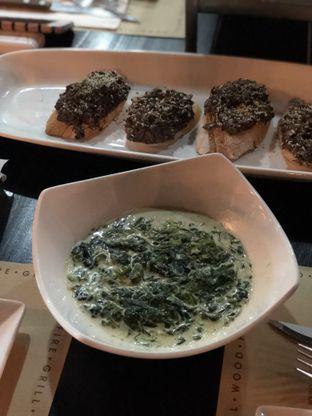 Foto 2 - Makanan(Creamy Spinach) di El Asador oleh feedthecat