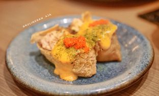 Foto 1 - Makanan(spicy salmon inari) di Sushi Tei oleh @kulineran_aja