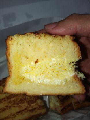 Foto 2 - Makanan di Bolu Bakar Tunggal oleh Chris Chan