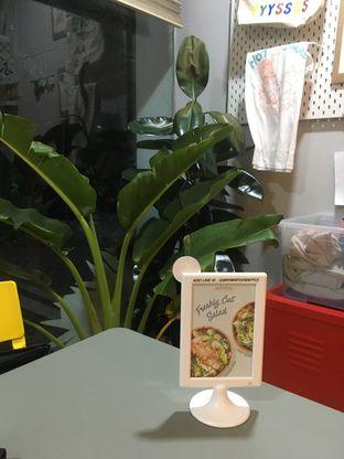 Foto 2 - Interior di BROWNFOX Waffle & Coffee oleh Prido ZH