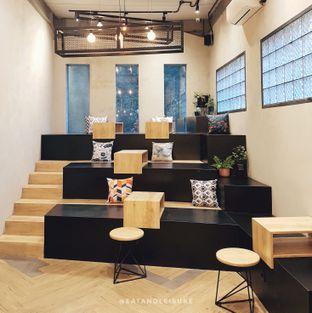 Foto 1 - Interior di 88 Garage Cafe oleh Eat and Leisure