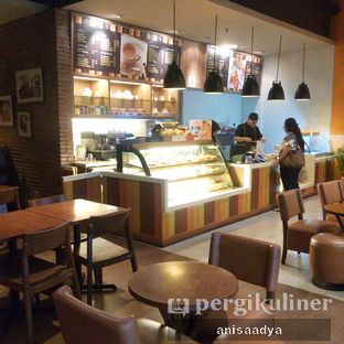 Foto 4 - Interior di Daily Bread Bakery Cafe oleh Anisa Adya