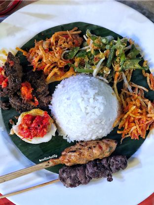 Foto 2 - Makanan(Nasi Bali) di Bunga Rampai oleh Stellachubby