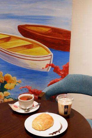 Foto 12 - Interior di Dopamine Coffee & Tea oleh yudistira ishak abrar