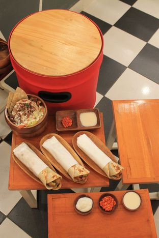 Foto 5 - Makanan di Emado's Shawarma oleh Prido ZH
