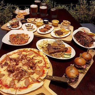 Foto 8 - Makanan di BREWERKZ Restaurant & Bar oleh Olivia @foodsid