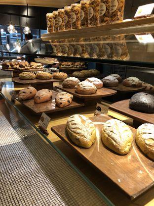 Foto 4 - Makanan di Francis Artisan Bakery oleh Nanakoot