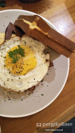 Foto 10 - Makanan di Bermvda Coffee oleh Mich Love Eat