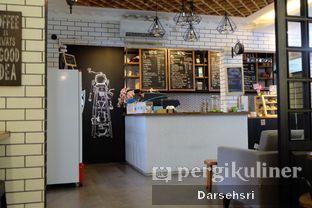 Foto 3 - Interior di Qubico Coffee oleh Darsehsri Handayani